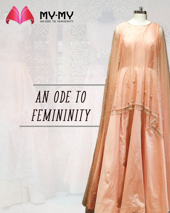Fabrics that flow like a poetry to pay an ode to femininity!  #AnOdeToFemininity #IconicTraditionalEnsembles #BridalCollection #BridesOfIndia #BridalWear #TraditionalWear #Ahmedabad #EthnicWear #BeautifulDresses #Gujarat #India