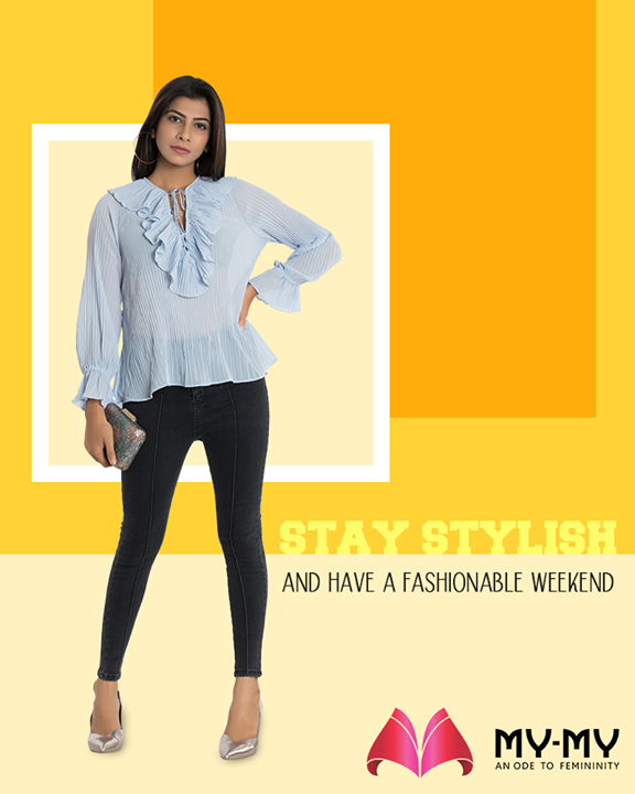 Express who you are with the style that you choose to carry. Stay stylish & have a fashionable weekend!  #StayStylish #FashionableWeekend #GlamUpGlamourGame #TrendingOutfits #AssortedEnsembles #AestheticPerfection #FascinatingFashionDestination #FemaleFashion #Ahmedabad #EthnicWear #BeautifulDresses #Sparkle #Gujarat #India