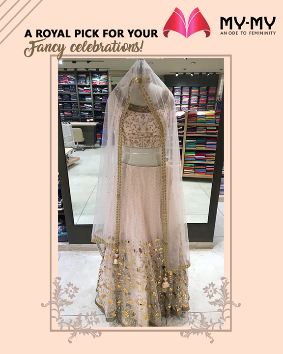 Be the talk of your event by donning this royal & elegant outfit!  #MyMy #MyMyCollection #ExculsiveEnsembles #ExclusiveCollection #Ahmedabad #Gujarat #India